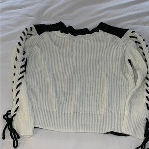 Love Tree lace up long sleeve sweater M